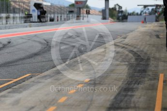 World © Octane Photographic Ltd. tyre marks in the pitlane. Tuesday 17th May 2016, F1 Spanish GP In-season testing, Circuit de Barcelona Catalunya, Spain. Digital Ref :1555CB1D3348