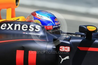 World © Octane Photographic Ltd. Scuderia Toro Rosso STR11 – Daniil Kvyat. Wednesday 18th May 2016, F1 Spanish GP In-season testing, Circuit de Barcelona Catalunya, Spain. Digital Ref : 1556LB1D1071