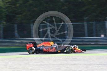 World © Octane Photographic Ltd. Red Bull Racing RB12 – Daniel Ricciardo. Friday 2nd September 2016, F1 Italian GP Practice 1, Monza, Italy. Digital Ref :1697LB2D5516