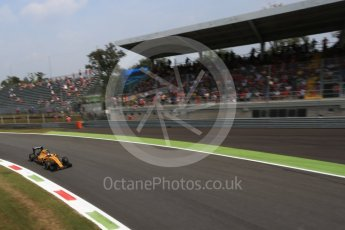 World © Octane Photographic Ltd. Renault Sport F1 Team RS16 – Jolyon Palmer. Friday 2nd September 2016, F1 Italian GP Practice 2, Monza, Italy. Digital Ref : 1699LB2D5948
