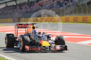 World © Octane Photographic Ltd. Red Bull Racing RB12 – Daniel Ricciardo. Friday 13th May 2016, F1 Spanish GP - Practice 1, Circuit de Barcelona Catalunya, Spain. Digital Ref : 1536CB1D6870
