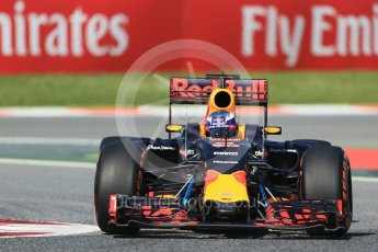 World © Octane Photographic Ltd. Red Bull Racing RB12 – Daniel Ricciardo. Friday 13th May 2016, F1 Spanish GP - Practice 1, Circuit de Barcelona Catalunya, Spain. Digital Ref : 1536LB1D3888