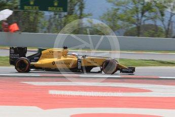 World © Octane Photographic Ltd. Renault Sport F1 Team RS16 - Kevin Magnussen. Friday 13th May 2016, F1 Spanish GP Practice 2, Circuit de Barcelona Catalunya, Spain. Digital Ref : 1539CB1D8420