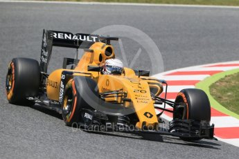 World © Octane Photographic Ltd. Renault Sport F1 Team RS16 - Kevin Magnussen. Friday 13th May 2016, F1 Spanish GP Practice 2, Circuit de Barcelona Catalunya, Spain. Digital Ref : 1539LB1D4806
