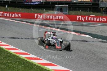 World © Octane Photographic Ltd. Haas F1 Team VF-16 – Romain Grosjean. Saturday 14th May 2016, F1 Spanish GP - Qualifying, Circuit de Barcelona Catalunya, Spain. Digital Ref : 1546LB1D6931