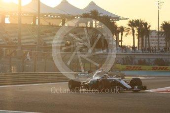 World © Octane Photographic Ltd. Formula 1 - Abu Dhabi Grand Prix - Friday - Practice 2. Lewis Hamilton - Mercedes AMG Petronas F1 W08 EQ Energy+. Yas Marina Circuit, Abu Dhabi. Friday 24th November 2017. Digital Ref: 2003CB1L6168