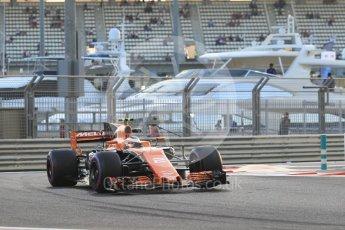 World © Octane Photographic Ltd. Formula 1 - Abu Dhabi Grand Prix - Friday - Practice 2. Stoffel Vandoorne - McLaren Honda MCL32. Yas Marina Circuit, Abu Dhabi. Friday 24th November 2017. Digital Ref: 2003CB1L6501