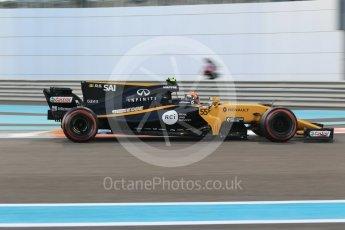 World © Octane Photographic Ltd. Formula 1 - Abu Dhabi Grand Prix - Friday - Practice 2. Carlos Sainz - Renault Sport F1 Team R.S.17. Yas Marina Circuit, Abu Dhabi. Friday 24th November 2017. Digital Ref: 2003CB1L6551