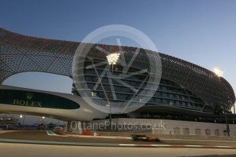 World © Octane Photographic Ltd. Formula 1 - Abu Dhabi Grand Prix - Friday - Practice 2. Carlos Sainz - Renault Sport F1 Team R.S.17. Yas Marina Circuit, Abu Dhabi. Friday 24th November 2017. Digital Ref: 2003CB5D0129