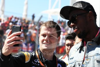World © Octane Photographic Ltd. Formula 1 - American Grand Prix - Sunday - Grid. Usain Bolt takes a selfie with a Renault Sport F1 Team member. Circuit of the Americas, Austin, Texas, USA. Sunday 22nd October 2017. Digital Ref: 1993LB1D8997