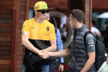 World © Octane Photographic Ltd. Formula 1 - Australian Grand Prix - Thursday Paddock. Stoffel Vandoorne - McLaren Honda and Nico Hulkenberg - Renault Sport F1 Team. Albert Park Circuit. Thursday 23rd March 2017. Digital Ref: 1789LB1D7876