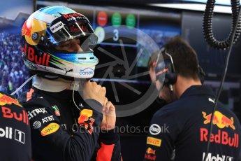 World © Octane Photographic Ltd. Formula 1 - Singapore Grand Prix - Practice 3. Daniel Ricciardo - Red Bull Racing RB13. Marina Bay Street Circuit, Singapore. Saturday 16th September 2017. Digital Ref:1962LB1D1310