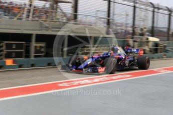 World © Octane Photographic Ltd. Formula 1 - Singapore Grand Prix - Practice 3. Carlos Sainz - Scuderia Toro Rosso STR12. Marina Bay Street Circuit, Singapore. Saturday 16th September 2017. Digital Ref:1962LB1D1702