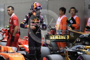 World © Octane Photographic Ltd. Formula 1 - Singapore Grand Prix - Qualifying. Carlos Sainz - Scuderia Toro Rosso STR12. Marina Bay Street Circuit, Singapore. Saturday 16th September 2017. Digital Ref:1963LB1D2647