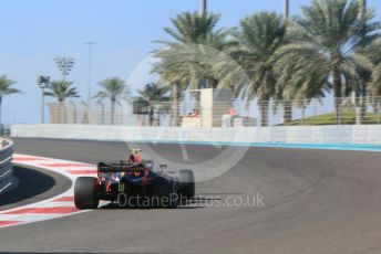 World © Octane Photographic Ltd. Formula 1 – Abu Dhabi GP - Practice 1. Aston Martin Red Bull Racing TAG Heuer RB14 – Max Verstappen. Yas Marina Circuit, Abu Dhabi. Friday 23rd November 2018.