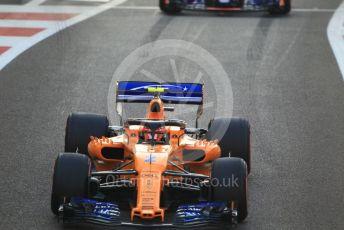 World © Octane Photographic Ltd. Formula 1 –  Abu Dhabi GP - Race. McLaren MCL33 – Stoffel Vandoorne. Yas Marina Circuit, Abu Dhabi. Sunday 25th November 2018.