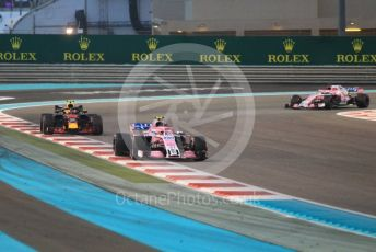 World © Octane Photographic Ltd. Formula 1 – Abu Dhabi GP - Race. Racing Point Force India VJM11 - Esteban Ocon and Sergio Perez and Aston Martin Red Bull Racing TAG Heuer RB14 – Max Verstappen. Yas Marina Circuit, Abu Dhabi. Sunday 25th November 2018.
