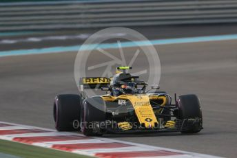 World © Octane Photographic Ltd. Formula 1 –  Abu Dhabi GP - Race. Renault Sport F1 Team RS18 – Carlos Sainz. Yas Marina Circuit, Abu Dhabi. Sunday 25th November 2018.
