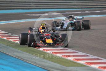World © Octane Photographic Ltd. Formula 1 –  Abu Dhabi GP - Race. Aston Martin Red Bull Racing TAG Heuer RB14 – Max Verstappen and Mercedes AMG Petronas Motorsport AMG F1 W09 EQ Power+ - Lewis Hamilton. Yas Marina Circuit, Abu Dhabi. Sunday 25th November 2018.