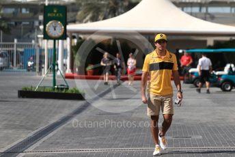 World © Octane Photographic Ltd. Formula 1 –  Abu Dhabi GP - Paddock. Renault Sport F1 Team RS18 – Carlos Sainz. Yas Marina Circuit, Abu Dhabi. Friday 23rd November 2018.