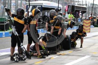 World © Octane Photographic Ltd. Formula 1 – Australian GP - Practice 3. Renault Sport F1 Team RS18 – pitstop practice. Albert Park, Melbourne, Australia. Saturday 24th March 2018.