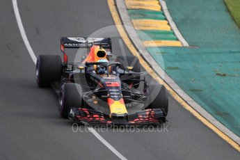 World © Octane Photographic Ltd. Formula 1 – Australian GP - Qualifying. Aston Martin Red Bull Racing TAG Heuer RB14 – Daniel Ricciardo. Albert Park, Melbourne, Australia. Saturday 24th March 2018.