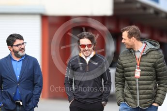 World © Octane Photographic Ltd. Formula 1 – Winter Test 2. McLaren MCL33 – Fernando Alonso, Luis Garcia Abad (Manager) and Alexander Wurz. Circuit de Barcelona-Catalunya, Spain. Thursday 8th March 2018.