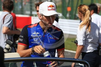 World © Octane Photographic Ltd. Formula 1 – Japanese GP - Drivers Parade. Scuderia Toro Rosso STR13 – Pierre Gasly. Suzuka Circuit, Japan. Sunday 7th October 2018.