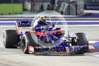 World © Octane Photographic Ltd. Formula 1 – Singapore GP - Race. Scuderia Toro Rosso STR13 – Pierre Gasly. Marina Bay Street Circuit, Singapore. Sunday 16th September 2018.