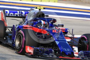 World © Octane Photographic Ltd. Formula 1 – Singapore GP - Practice 1. Scuderia Toro Rosso STR13 – Pierre Gasly. Marina Bay Street Circuit, Singapore. Friday 14th September 2018.