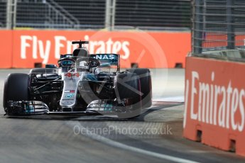 World © Octane Photographic Ltd. Formula 1 – Singapore GP – Qualifying. Mercedes AMG Petronas Motorsport AMG F1 W09 EQ Power+ - Lewis Hamilton. Marina Bay Street Circuit, Singapore. Saturday 15th September 2018.