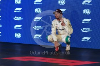World © Octane Photographic Ltd. Formula 1 – Singapore GP – Qualifying. Mercedes AMG Petronas Motorsport AMG F1 W09 EQ Power+ - Lewis Hamilton. Marina Bay Street Circuit, Singapore. Saturday 15th September 2018.
