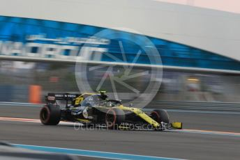 World © Octane Photographic Ltd. Formula 1 – Abu Dhabi GP - Qualifying. Renault Sport F1 Team RS19 – Nico Hulkenberg. Yas Marina Circuit, Abu Dhabi, UAE. Saturday 30th November 2019.