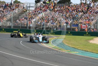 World © Octane Photographic Ltd. Formula 1 – Australian GP Race. ROKiT Williams Racing FW42 – Robert Kubica and Renault Sport F1 Team RS19 – Daniel Ricciardo. Melbourne, Australia. Sunday 17th March 2019.