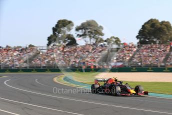 World © Octane Photographic Ltd. Formula 1 – Australian GP Race. Aston Martin Red Bull Racing RB15 – Pierre Gasly. Melbourne, Australia. Sunday 17th March 2019.
