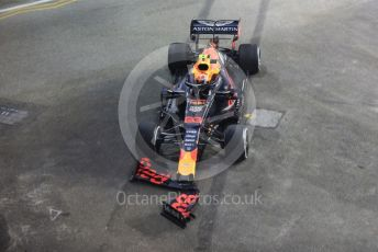 World © Octane Photographic Ltd. Formula 1 – Singapore GP - Practice 2. Aston Martin Red Bull Racing RB15 – Alexander Albon damages his front wing. Marina Bay Street Circuit, Singapore. Friday 20th September 2019.
