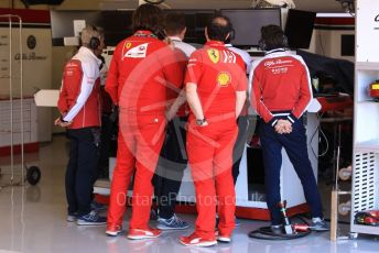 World © Octane Photographic Ltd. Formula 1 – Spanish In-season testing. Alfa Romeo Racing C38 – Callum Ilott's team watch the telemetry replay after his accident. Circuit de Barcelona Catalunya, Spain. Tuesday 14th May 2019.