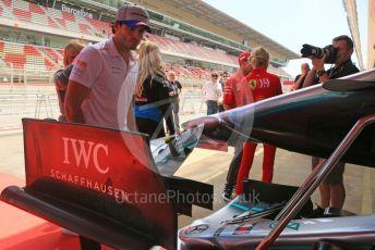 World © Octane Photographic Ltd. Formula 1 – Spanish GP. Thursday Setup. McLaren MCL34 – Carlos Sainz checks out the Mercedes front wing. Circuit de Barcelona Catalunya, Spain. Thursday 9th May 2019.