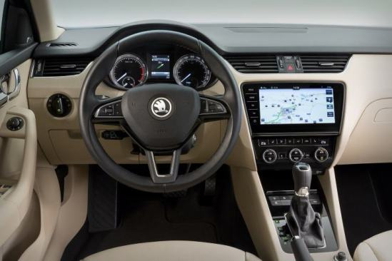 Skoda Octavia 3 Facelift interiér