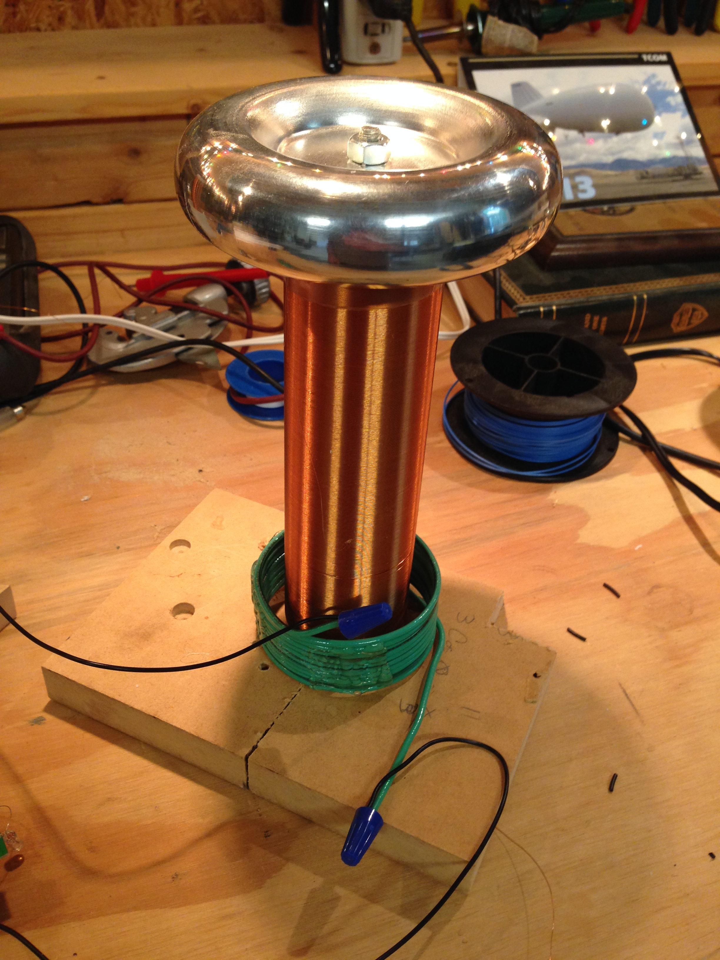 Design The Tesla Coil Circuit And To Simulate It Online For Better