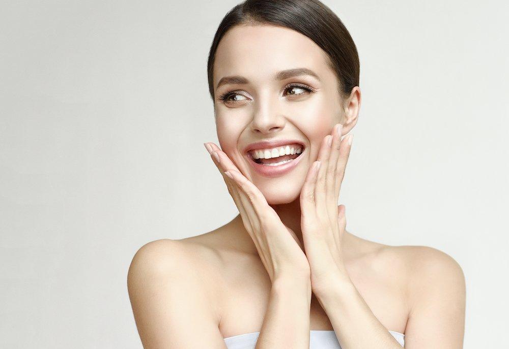 Naso, labbra e zigomi Aumentano i ritocchini con l'acido ialuronico