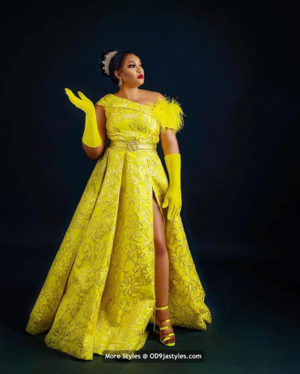 Aso-Ebi Dresses 100 Pictures: Latest Aso-Ebi Dresses Styles 2020 For Pretty Ladies