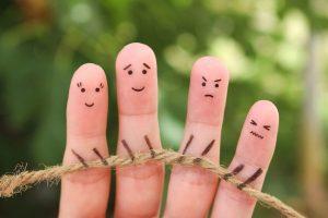 אצבעות משחקות משוך בחבל