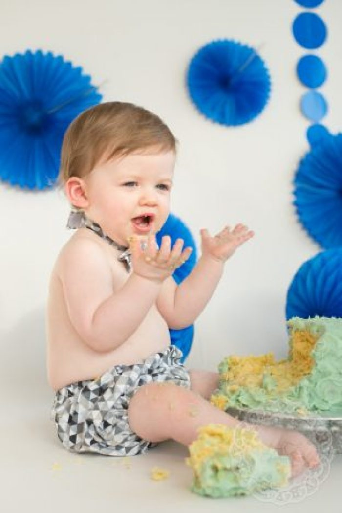 1st Birthday Cake Smash   Uh-Oh http://oddhogg.com