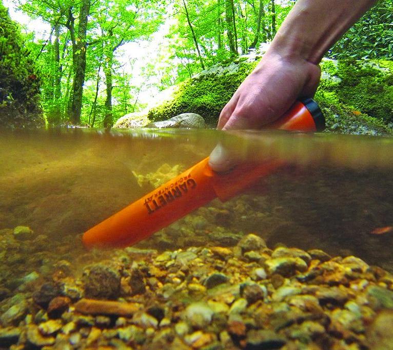 ProPointer Waterproof Metal Detector Lets You Treasure