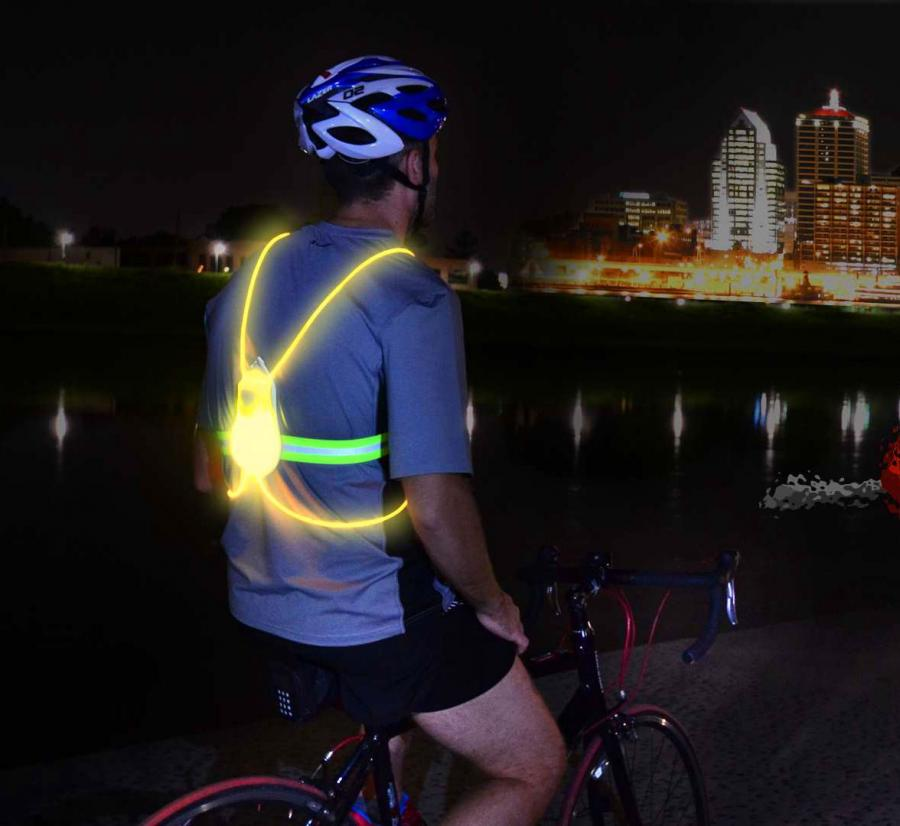 geeky kitchen gadgets shelf liner tracer360: an illuminated vest for running/cycling at night