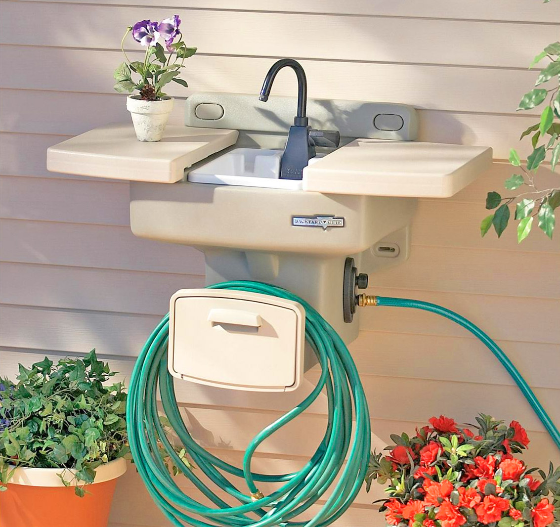this garden hose sink gives you an