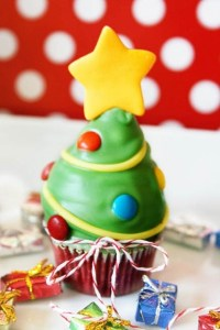 mini-red-velvet-christmas-tree-cupcakes