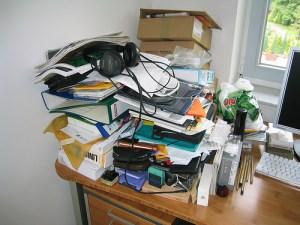 dailykickstarter_clean_desk