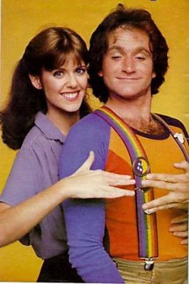 Pam-Dawber-robin-williams-in-mork-and-mindy, Pet Memorial Day, Hoagie Day, Cream Donut Day